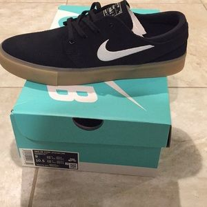 Brand new janoski Nike 9. With box